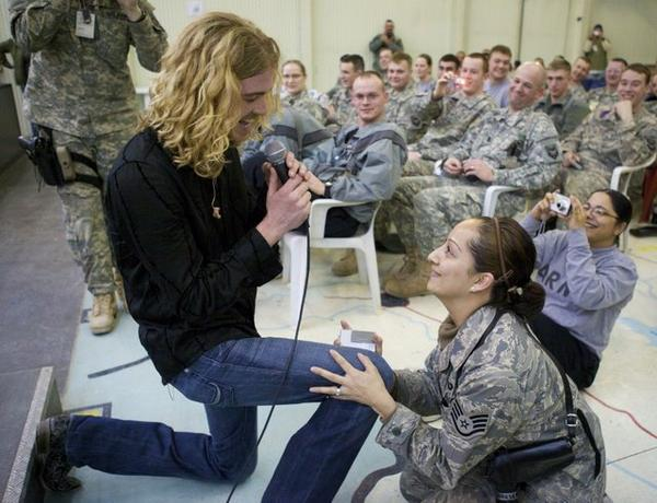 Bucky Covington performing for U.S. troops in Kosovo