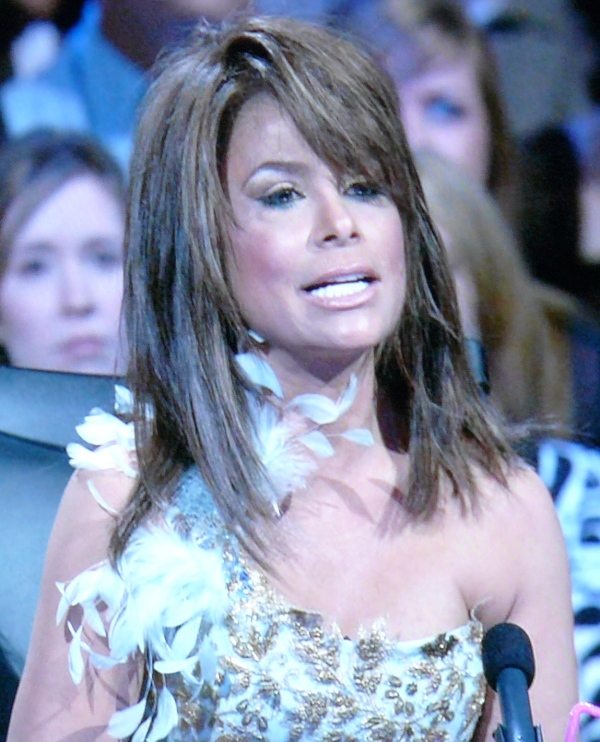 Paula Abdul: Wearing dress with strangled bird