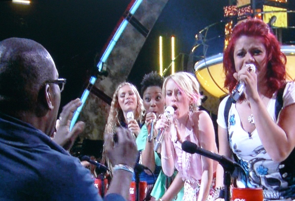 What is this shite? Female Idols serenade Randy Jackson