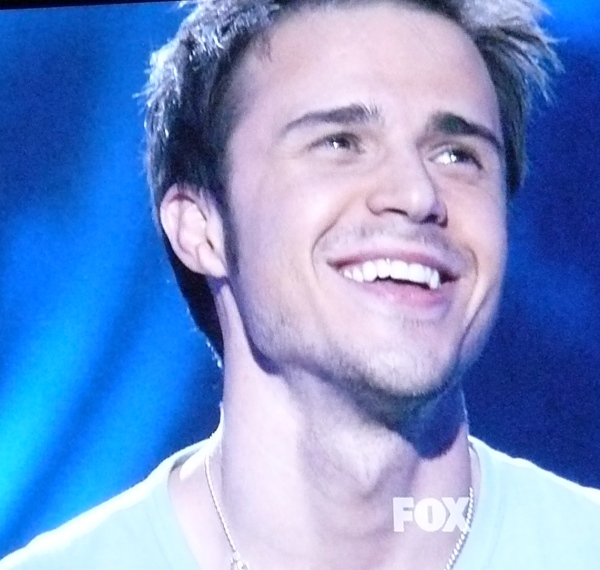 Kris Allen is Hot By Default and might be cooler than we thought