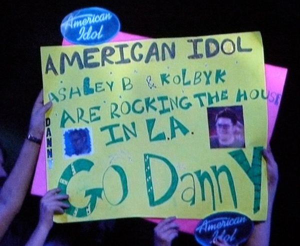 Danny Gokey's fans are too stupid to make a goddamn sign