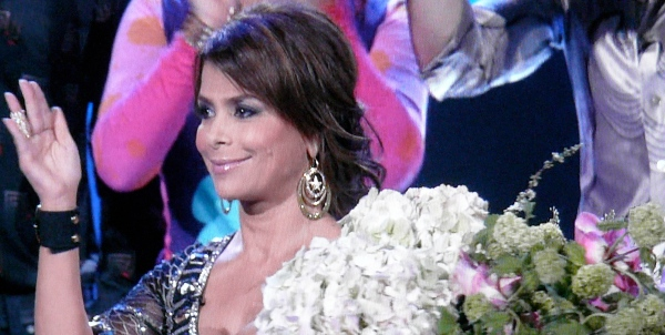 Paula Abdul does her best pageant wave