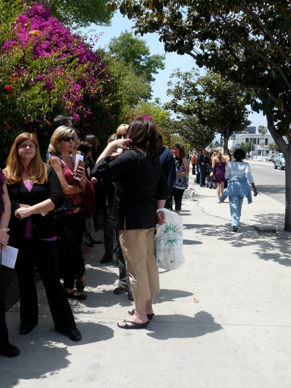 American Idol fans lined up down Beverly Blvd