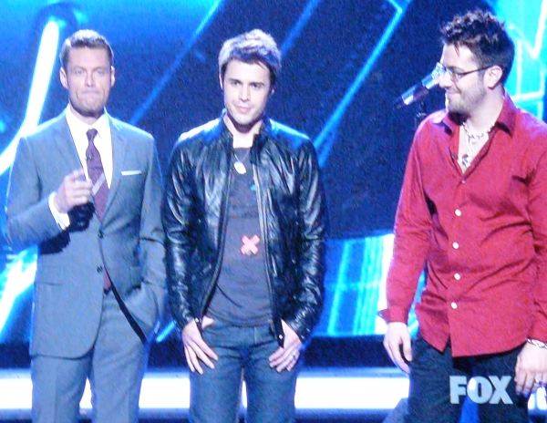 Kris Allen is now totally gonna kill Danny Gokey. For reals.