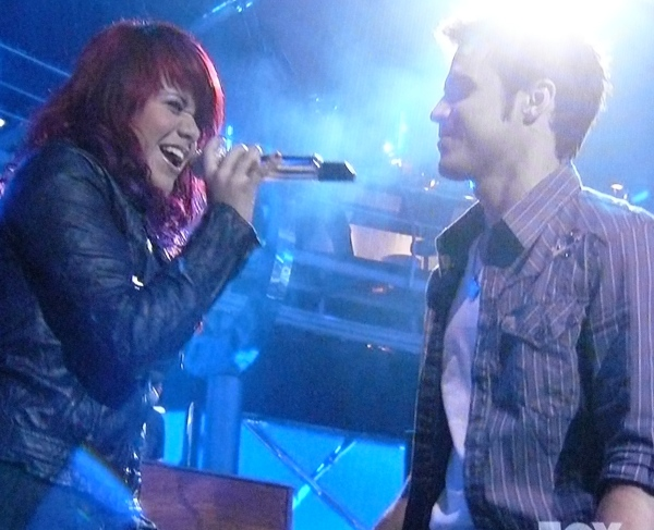 Allison Iraheta and Kris Allen