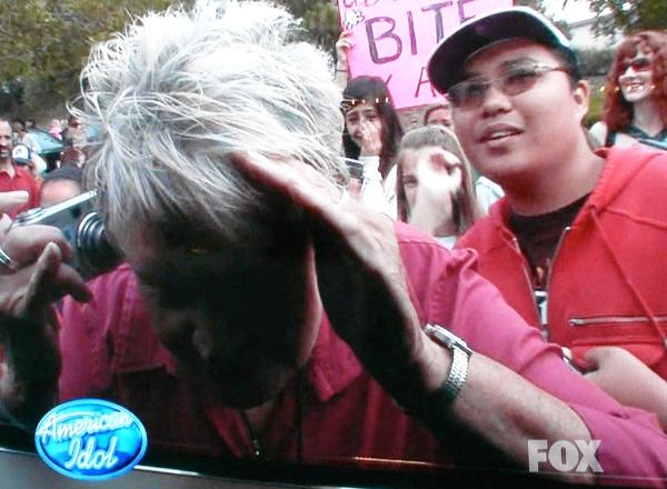 Crazy Adam Lambert fans
