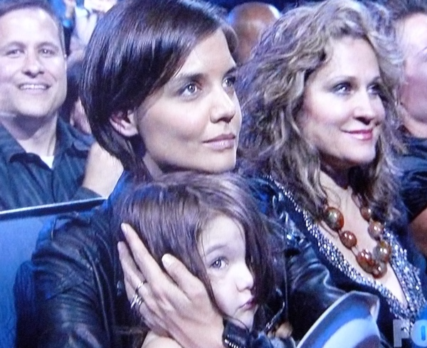 Katie Holmes is dead in the eyes. Suri Cruise is a robot. The end.