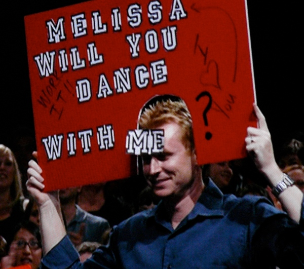 SYTYCD -- Melissa has a fan with a freaky sign