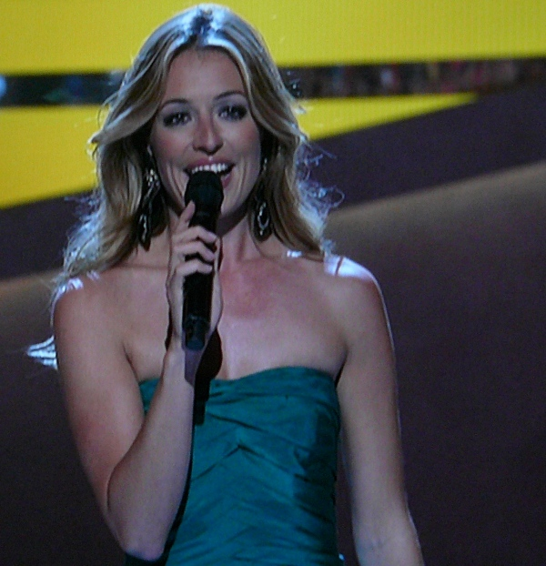 Cat Deeley -- a goddess in green on SYTYCD
