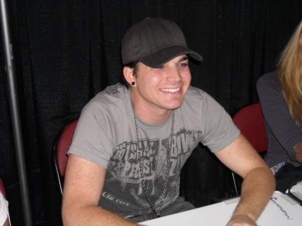 Adam Lambert signing autographs in Pittsburgh at the Mellon Arena