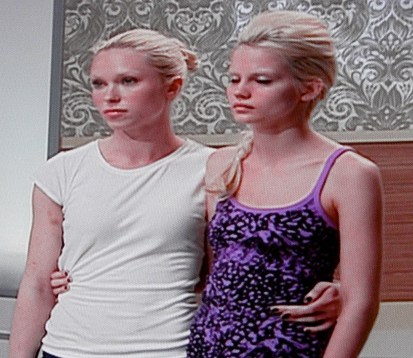 ANTM Rae Weisz and Erin Wagner in the bottom 2
