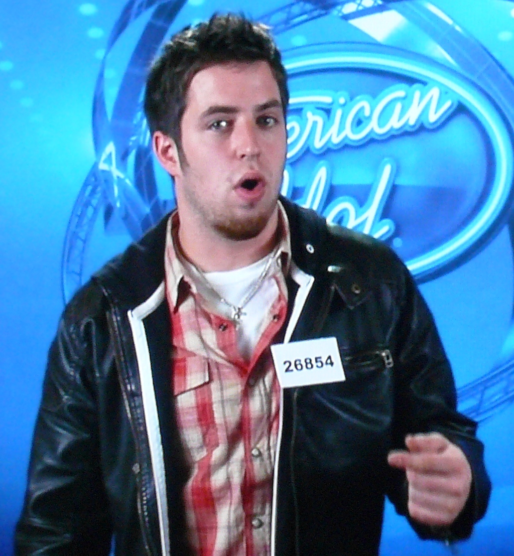 Lee dewyze straight or gay